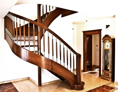 Gięte schody